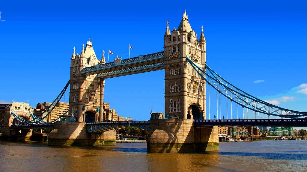 Photo Le Tower Bridge L Emblematique Pont Londonien