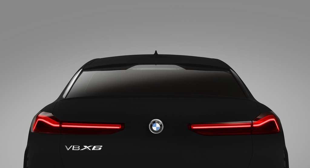 Le Vantablack donne à la BMW X6 « un aspect particulièrement menaçant » selon son designer. © BMW