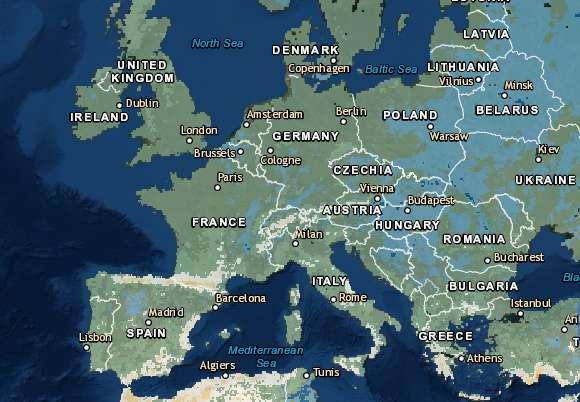 Sur cette carte, l'évolution des pluies torrentielles durant les mois d'hiver, entre 2071 et 2100, comparé à la période entre 1971 et 2000. En bleu, les régions pour lesquelles le régime des pluies torrentielles augmentera de plus de 25 %. En vert, les régions pour lesquelles le régime des pluies torrentielles augmentera de 5 à 25 %. Et en beige/orange, celles pour lesquelles le régime des pluies torrentielles restera constant, voire diminuera. © Agence européenne pour l'environnement