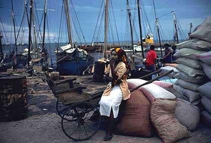 Port de Mahajanga. © Toute reproduction et utilisation interdites