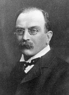 Joseph Larmor (1857-1942) était professeur lucasien de mathématiques à l'université de Cambridge, le poste occupé par Newton, Dirac et Hawking. Pionnier de la théorie électromagnétique, il s'est hélas opposé aux théories de la relativité. © DP, Wikipédia