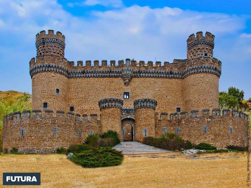 Le château des Mendoza, modèle de l'architecture militaire castillane du XV siècle