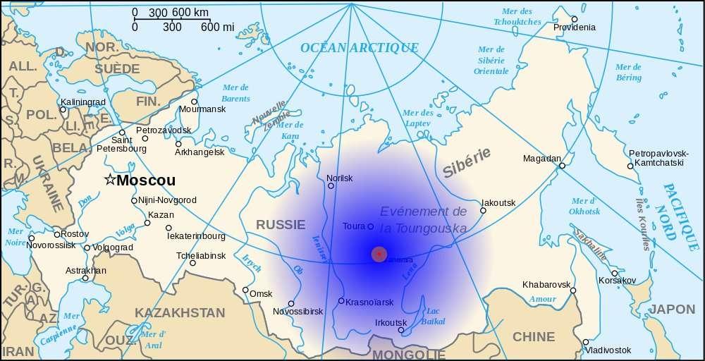 L'hypocentre de l'événement de la Toungouska est pointé en rouge sur la carte. Le disque bleu désigne la superficie sur laquelle la déflagration a été ressentie. © Denys, Wikipédia, GNU 1.2