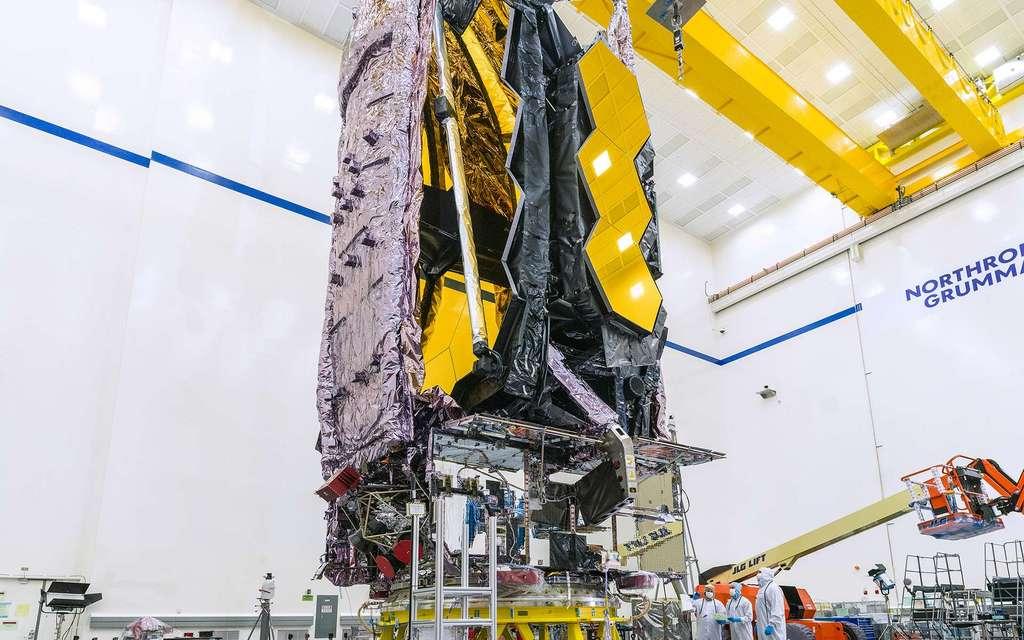 Le JWST, une fois replié, sera stocké dans une fusée Ariane 5 et déployé dans l'espace. © Nasa, Northrop Grumman
