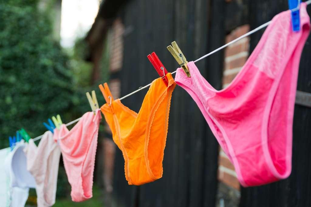 Confortable, efficace, la culotte menstruelle contribue aussi au développement durable car elle peut être réutilisée plusieurs années. © Dziurek, Adobe Stock