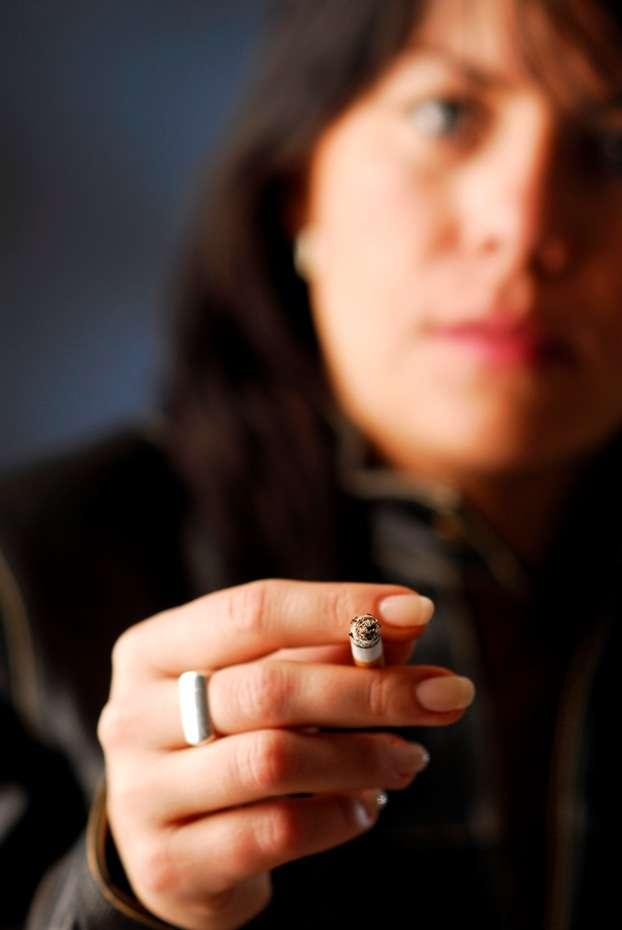 Le tabac contribue au déficit de vitamine D, entre autres facteurs. © Vojtechvlk Stock Free Images & Dreamstime Stock Photos