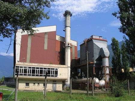 Incinération des déchets : incinérateur de Gilly sur Isère. © Jyoccoz, domaine public