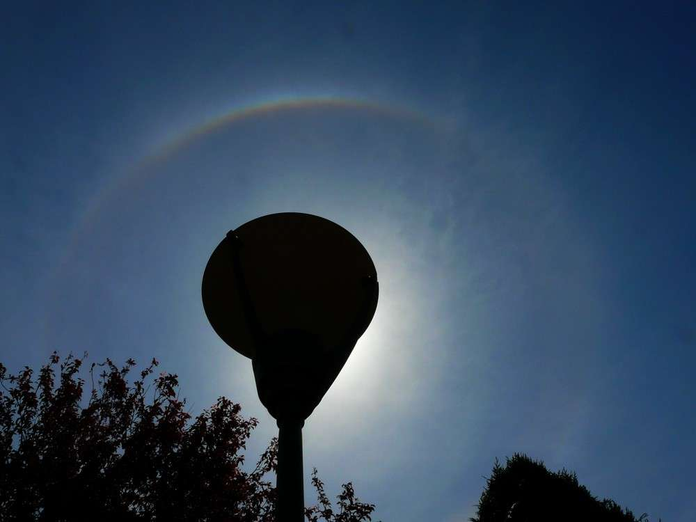Un halo solaire en altitude