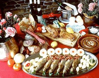 La consommation d'aliments à forte valeur calorique peut conduire à l'obésité. © DR