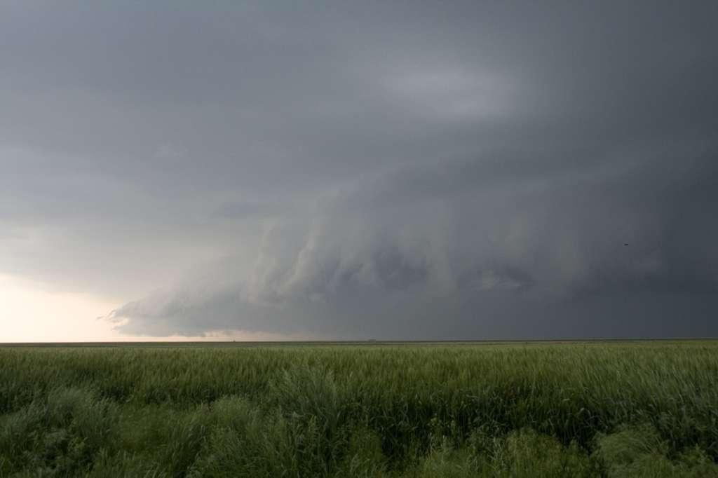 Le cumulonimbus est un nuage pouvant amener l'orage. © PIXATERRA, Fotolia