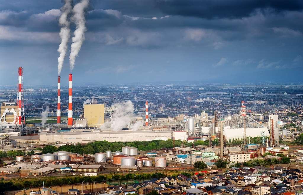 Des chercheurs américains montrent la nocivité de la pollution aux particules très fines sur la santé des personnes âgées. © NicolasMcComber, Istock.com