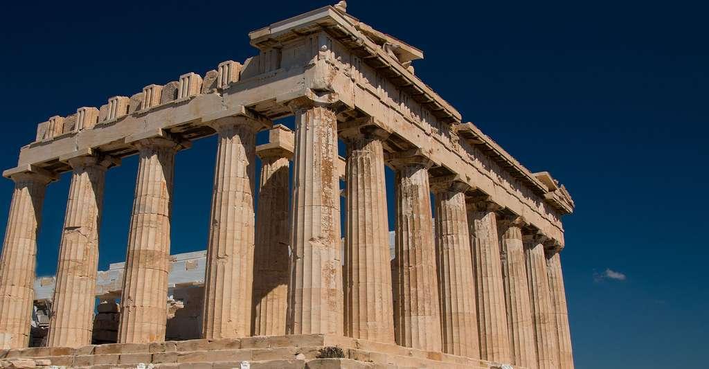 Le Parthénon à Athènes. Les vestiges de la civilisation grecque ont perduré au fil des siècles et témoignent de la puissance du peuple grec durant l'Antiquité. © Tomfkemp, CC by-nc 2.0