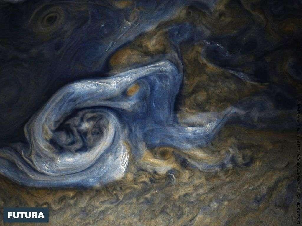 Tempête massive dans l'hémisphère nord de Jupiter