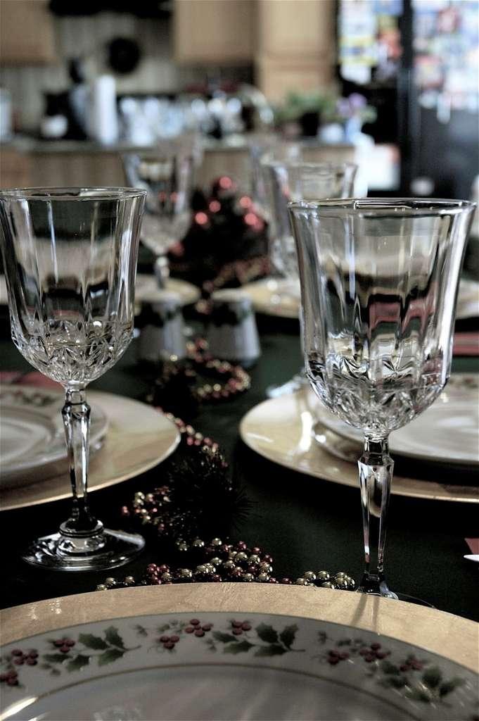 Il est possible de réalisez d'étonnantes expériences avec les objets de la table lors d'un repas entre amis. © kreg.steppe, Flickr, CC by-nc-sa 2.0