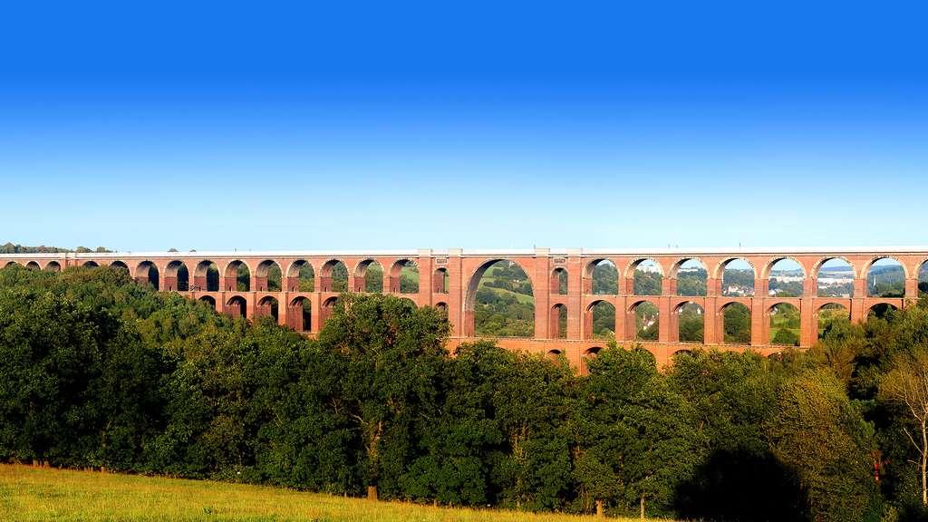 Le Göltzschtalbrücke, le plus grand pont en brique du monde