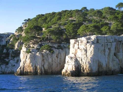 La Provence, aussi belle au-dessus de l'eau qu'en vision sous-marine. Ici, les calanques de Cassis, une géologie à découvrir. © AB
