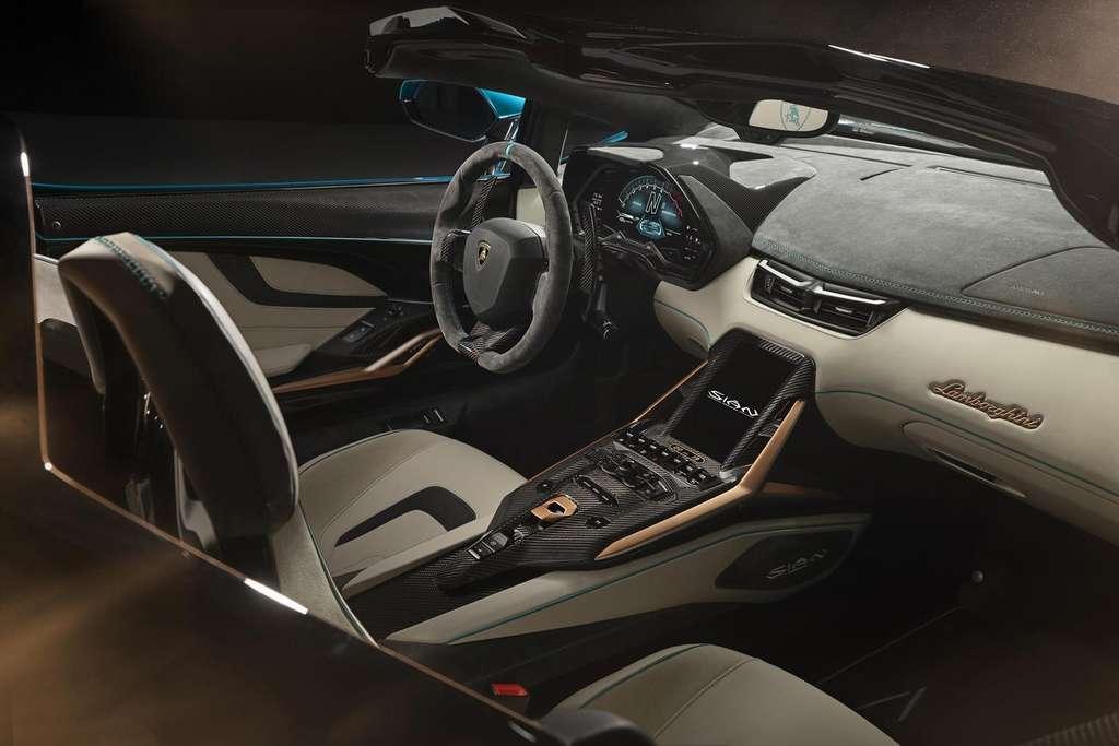 The interior of the Lamborghini Sián Roadster will be fully customizable.  © Lamborghini