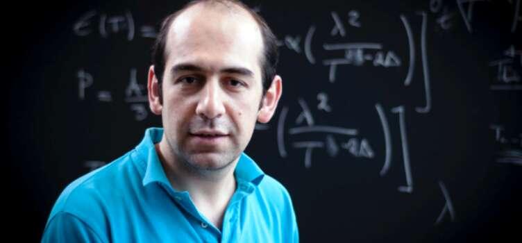 Le physicien et astronome iranien Niayesh Afshordi est en poste à l'université de Waterloo. © Niayesh Afshordi