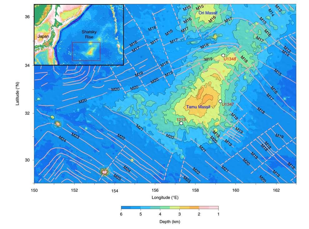 Le Massif Tamu est un massif volcanique sous-marin s'étalant sur 310.000 km2 et donc le sommet culmine à 2.000 mètres de profondeur. © William Sager et al, Nature Geoscience, 2019.