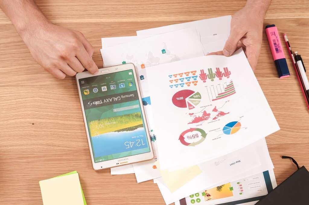 Avec Power BI de Microsoft, une application mobile permet de consulter les données où que l'on soit. © Firmbee.com, Unsplash