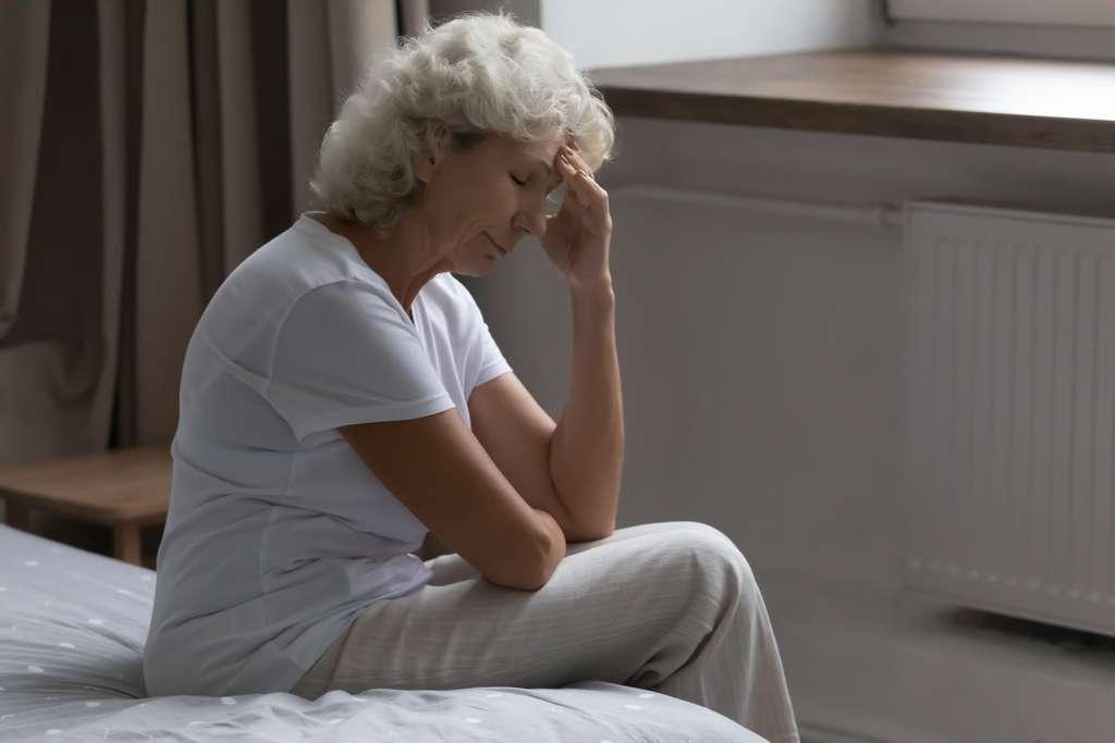 Des patients atteints du Covid-19 présentent une perte de repères et des signes de confusion. Les neurologues ne sont pas surpris que le SARS-CoV-2 puisse affecter le cerveau. © fizkes, Adobe Stock