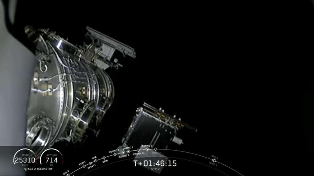 Déploiement du sixième et dernier satellite de la constellation Cosmic-2 par le Falcon Heavy. © SpaceX