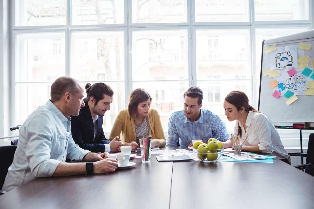 La domiciliation d'entreprise offre la possibilité de location de salles de réunion et de bureaux. © WavebreakMediaMicro, Fotolia