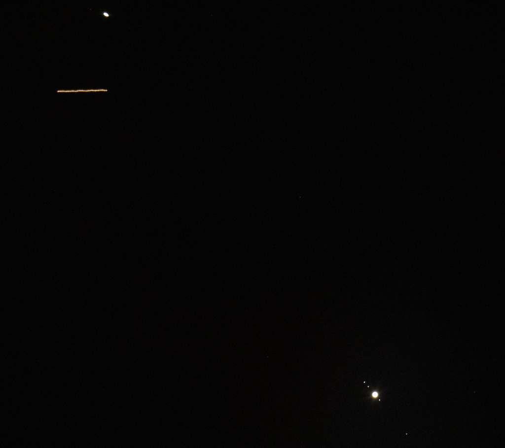 Quand l'ISS se glisse entre Jupiter (en bas) et Saturne (en haut). © Joel Kowsky, Nasa, Flickr, CC by -NC-ND 2.0