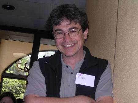 Les travaux de Carlo Rovelli l'ont conduit à découvrir que la LQG prédisait une structure discrète pour l'espace-temps au voisinage de l'échelle de Planck. Crédit : John Baez