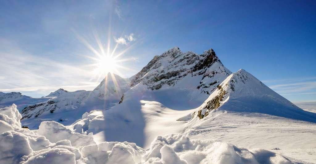 Col de la Jungfraujoch en Suisse. © Krissanapong Wongsawarng, Shutterstock