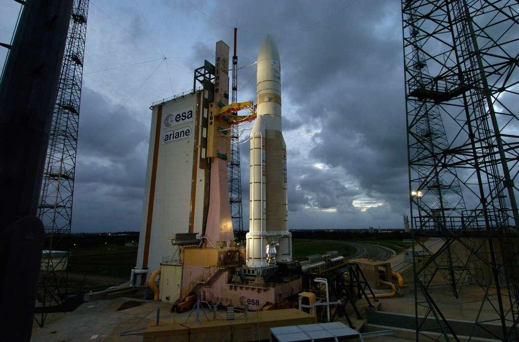 Ariane 5 sur son pas de tir du Centre Spatial Guyanais