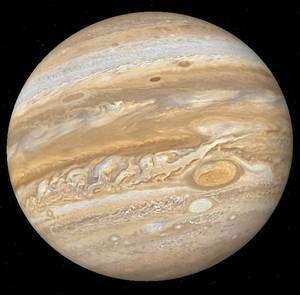 Jupiter présente de nombreux systèmes cycloniques dont le plus spectaculaire est la Grande Tache Rouge. Crédit Nasa