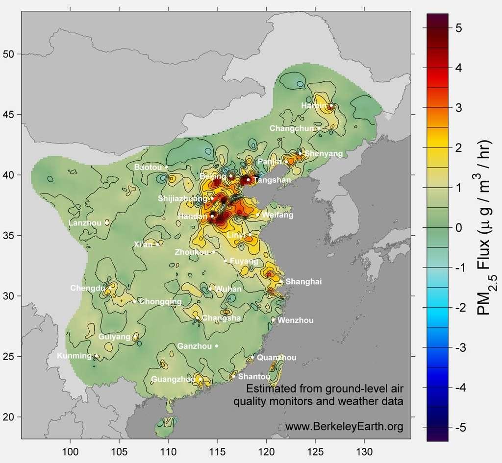 La pollution aux particules fines (représentée sur cette carte) mais aussi à différentes molécules touche une grande partie de l'est de la Chine. Une étude détaillée le montre sans ambiguïté et permet d'estimer les effets sur la santé. © Robert A. Rohde et Richard A. Muller