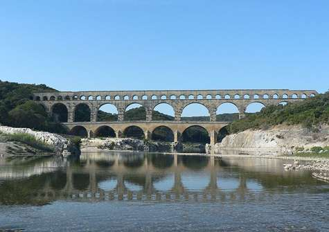 Pont du Gard. © Patrick Clenet, Licence de documentation libre GNU, version 1.2