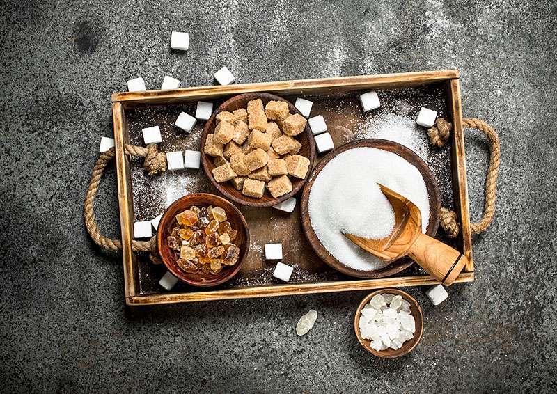 Sucre blanc, sucre roux, sucre candi. © Artem Shadrin, Fotolia