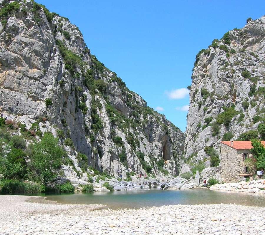 Gorges de Gouleyrous, près de Tautavel, où a été trouvé l'homme du même nom. © Divol, Wikipédia, CC by-sa 3.0