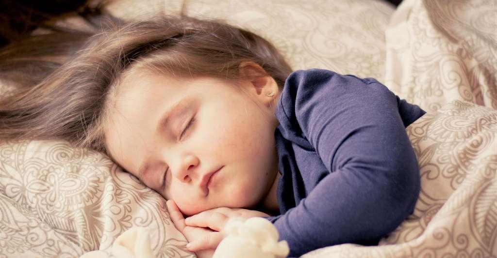 Certaines des conséquences délétères du manque de sommeil seraient dues à des dommages causés à l'ADN. © ddimitrova, Pixabay, CC0 Creative Commons
