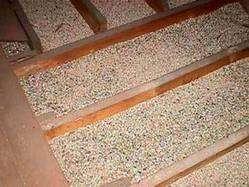 La vermiculite se décline en plusieurs granulométries, de superfine (0-1) à large (0-8). Elle est disponible en vrac, en sacs de différentes contenances (jusqu'à 100 litres) et « Big bags ». Les principaux pays producteurs sont l'Afrique du Sud, l'Australie, la Chine, les États-Unis et le Zimbabwe. © U.S. EPA