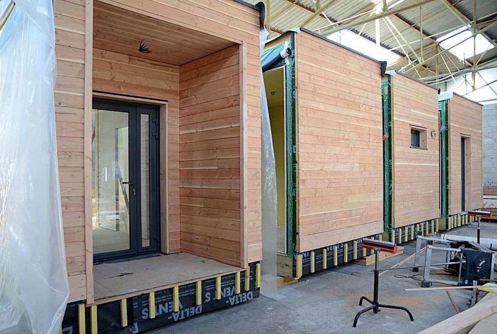 Le nombre et les dimensions des modules, ici à ossature bois, varient en fonction de la configuration et de la surface de la maison. © Selvea