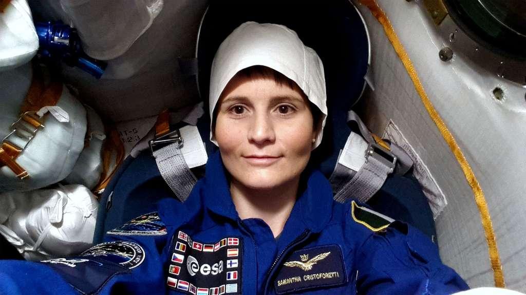 L'Italienne Samantha Cristoforetti lors d'essais à bord de la capsule Soyouz dans laquelle elle voyagera pour rejoindre la Station spatiale (ISS). © Esa, S. Corvaja