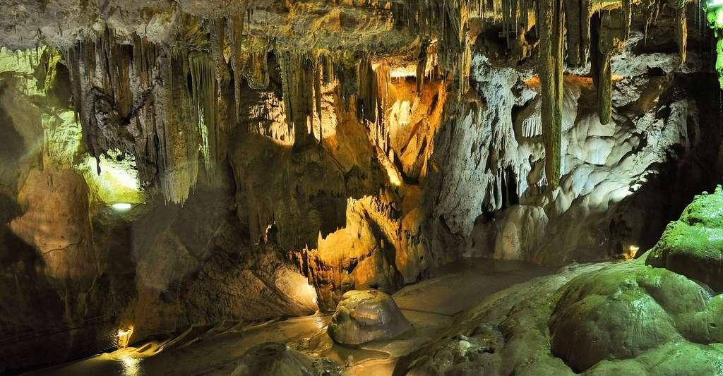 Grottes et cavernes, un monde magique. © Skitterphoto, Pixabay, DP