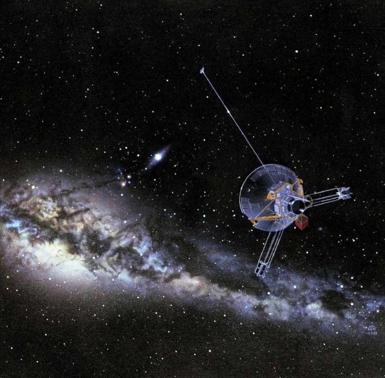 Une vue d'artiste d'une des sondes Pioneer, bouteille dans l'océan cosmique et témoignage de l'existence de l'humanité. La parabole est dirigée vers le Soleil alors que les instruments chauffés par l'électricité, issue des deux générateurs thermoélectriques montés au bout de deux perches, tournent le dos au Soleil. © Nasa