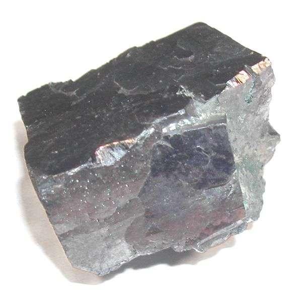 Galena, forme minérale naturelle du plomb. © Domaine public