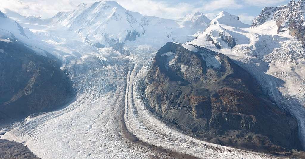Le Glacier (Gornergletscher) en Suisse, second glacier le plus large des Alpes. © Patrick Poendl, Shutterstock