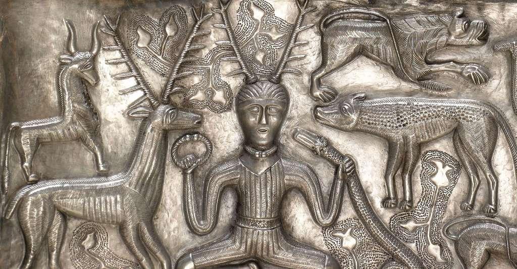 Le dieu cornu, sur le chaudron de Gundestrup (Danemark). © Nationalmuseet, Wikimedia commons, CC by-sa 3.0