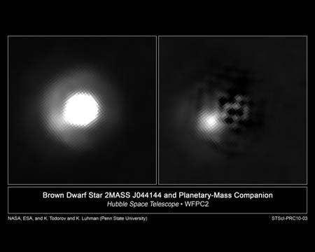 En retranchant de l'image de Hubble la composante associée à 2M J044144, on voit nettement maintenant une exoplanète compagne. Crédit : Nasa-Esa