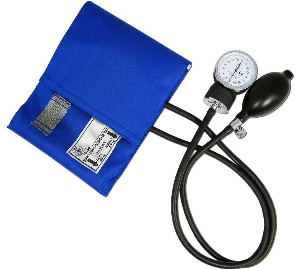 Chez les personnes âgées, la solitude a un impact sur l'hypertension. © www.medisave.co.uk, Flickr, CC by 2.0