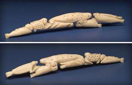 Défense ivoire de morse sculpté inouit ( © musée civilisations Canada)