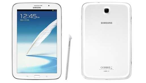Mesurant 13,58 cm de largeur pour 21,08 cm de hauteur et moins de 8 mm d'épaisseur, le Galaxy Note 8 s'érige en concurrent direct de l'iPad mini d'Apple sorti en octobre, avec la téléphonie en plus. © Samsung