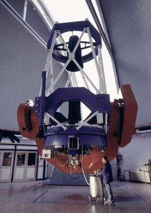 Le télescope MGP de 2,2 mètres de diamètre de l'Observatoire de La Silla au Chili. Crédits : ESO